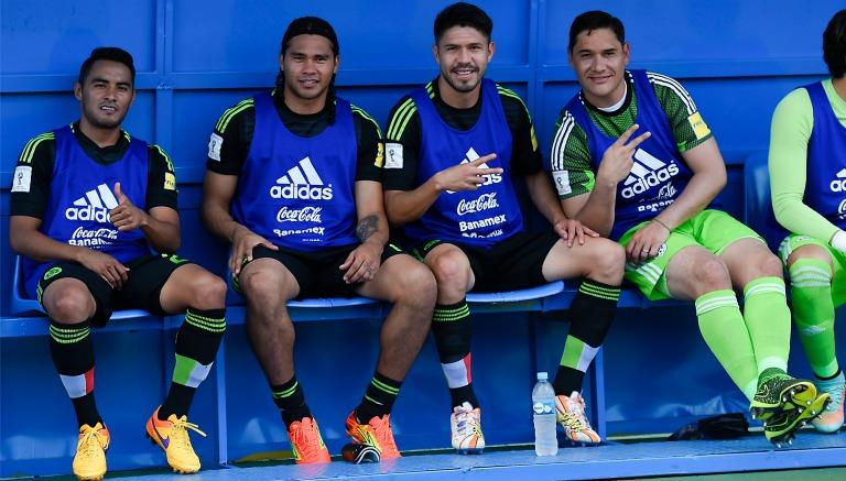 Gallito acompañado de Gullit, Peralta y Muñoz