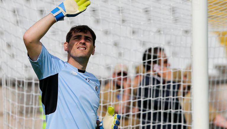 Thumbnail Casillas, en un partido con el Porto