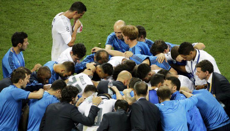 Thumbnail Reunión motivacional entre los elementos del Real Madrid