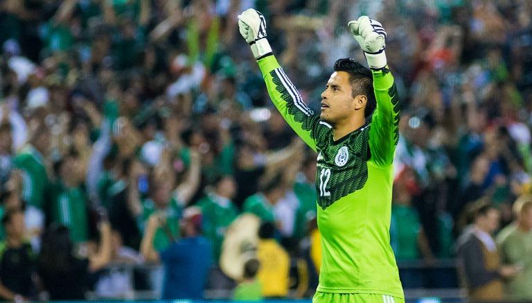Talavera festeja un gol contra Chile