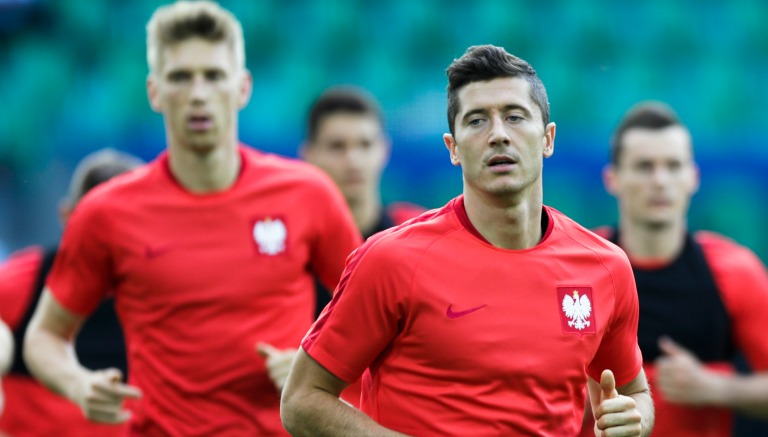 Thumbnail Robbert Lewandowski en entrenamiento con Polonia