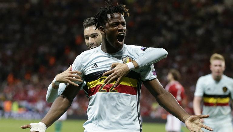 Thumbnail Batshuayi festeja su gol contra Hungría