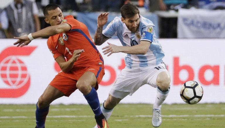 Thumbnail Messi pelea por el balón en la Final de la Copa América