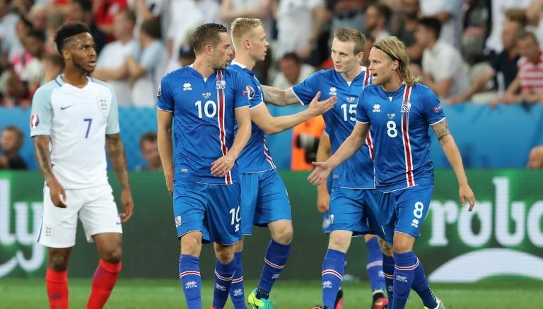 Thumbnail Los jugadores de Islandia celebran un gol