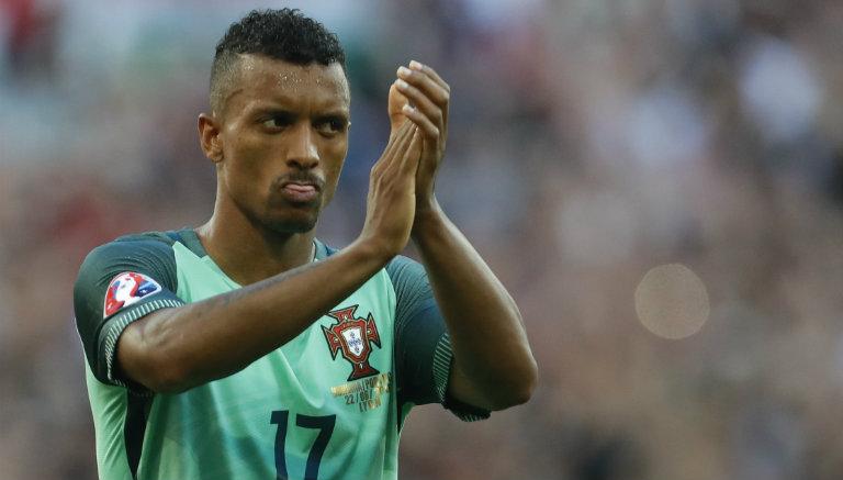 Thumbnail Nani aplaude tras empate contra Hungría