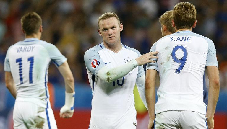 Thumbnail Rooney consuela a Kane tras eliminación de Inglaterra