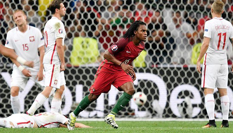 Thumbnail Renato corre a celebrar el gol que anotó contra Polonia