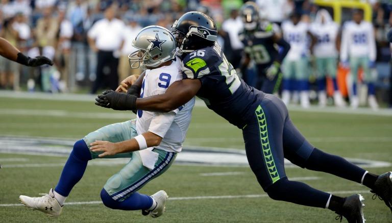 Momento en que Romo es tacleado