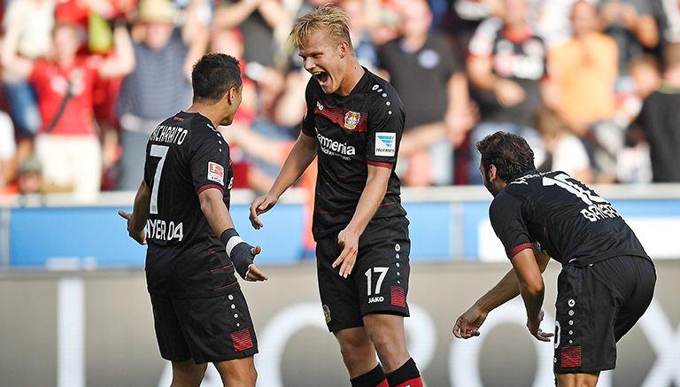 Thumbnail Javier Hernández celebra un gol con el Bayer Leverkusen