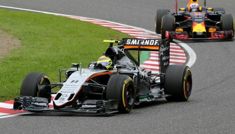 Checo Pérez durante el Gran Premio de Japón