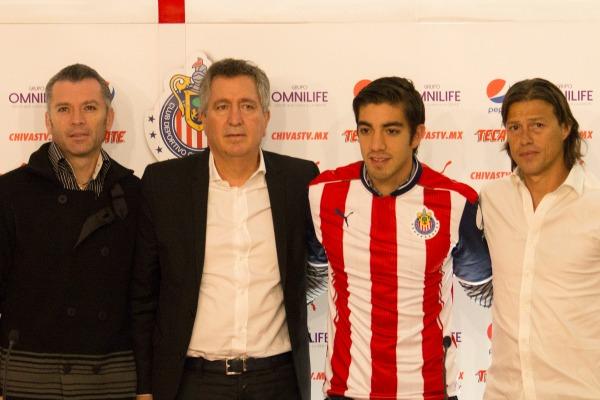 Higuera, Vergara, Pizarro y Almeyda posan para los reflectores
