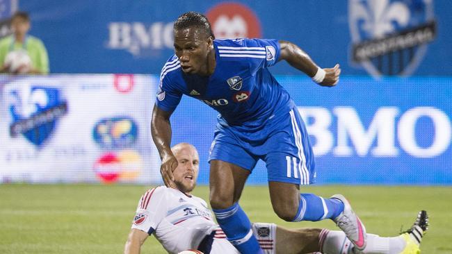 Drogba se quita a un rival durante un partido en la MLS