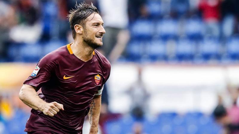 Totti celebra un gol con la Roma