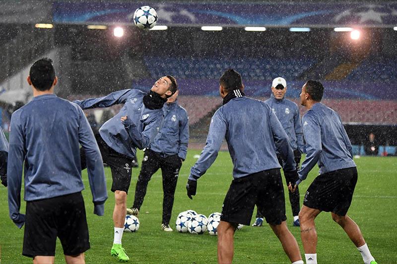 Así le reclamó a la defensa en la Champions — Cristiano Ronaldo