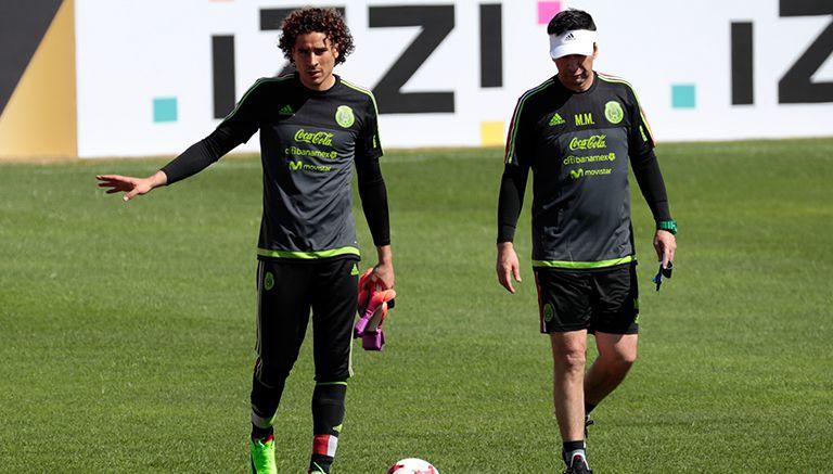 Ochoa pide a afición bajarle con grito de 'eh, pu...'