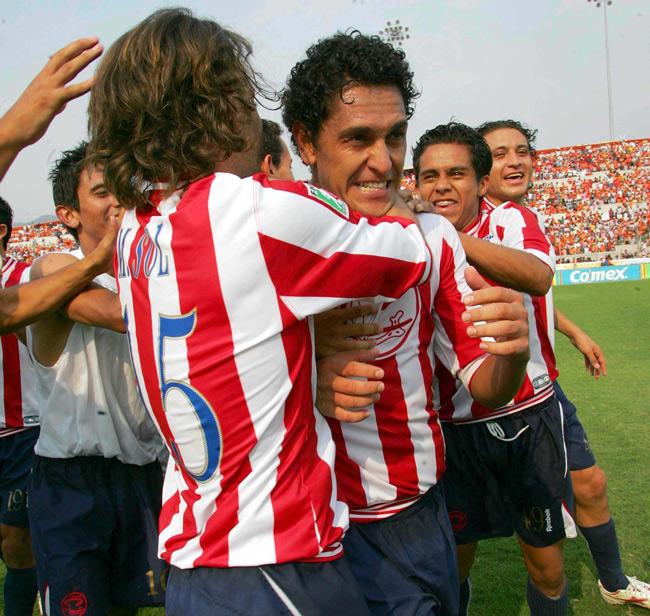Chivas cumple y va a semifinales