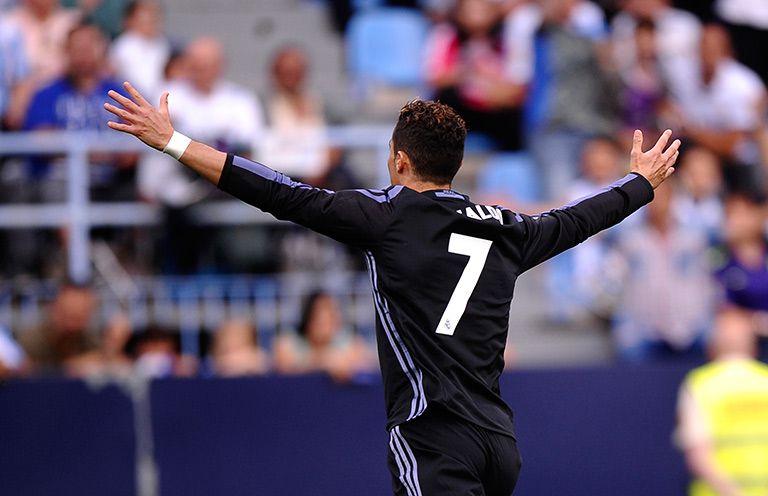 Cristiano Ronaldo festeja gol contra Málaga