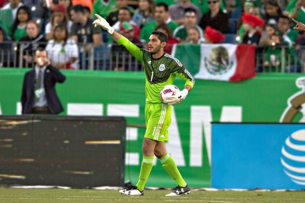 Jesús Corona es baja de la selección por lesión