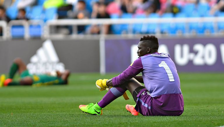 Jugadores de Senegal, cabizbajos tras perder en el Mundial Sub 20