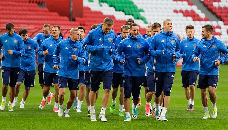 Jugadores de Rusia entrenan en la Arena Kazán