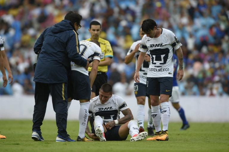 Castillo se se resintió de una lesión en el partido contra Cruz Azul