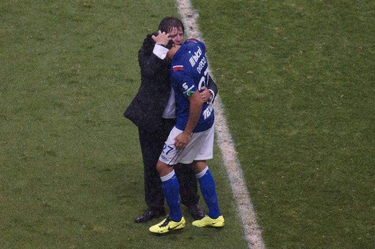 Gran gesto de amistad en el Estadio Azteca