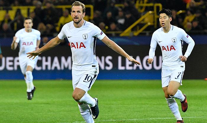 Kane celebra un tanto contra el Dortmund