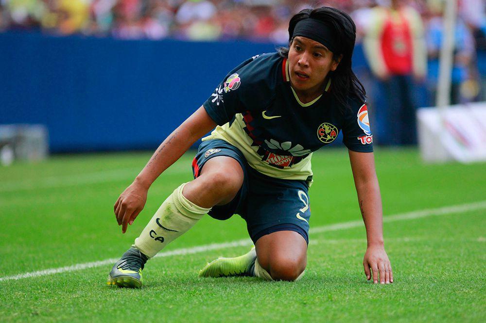 Lúcero Cuevas, durante un juego con el América Femenil