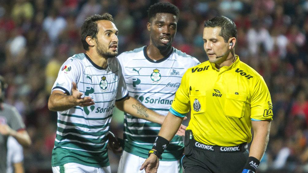 Asociación de futbolistas respalda a Emiliano Armenteros