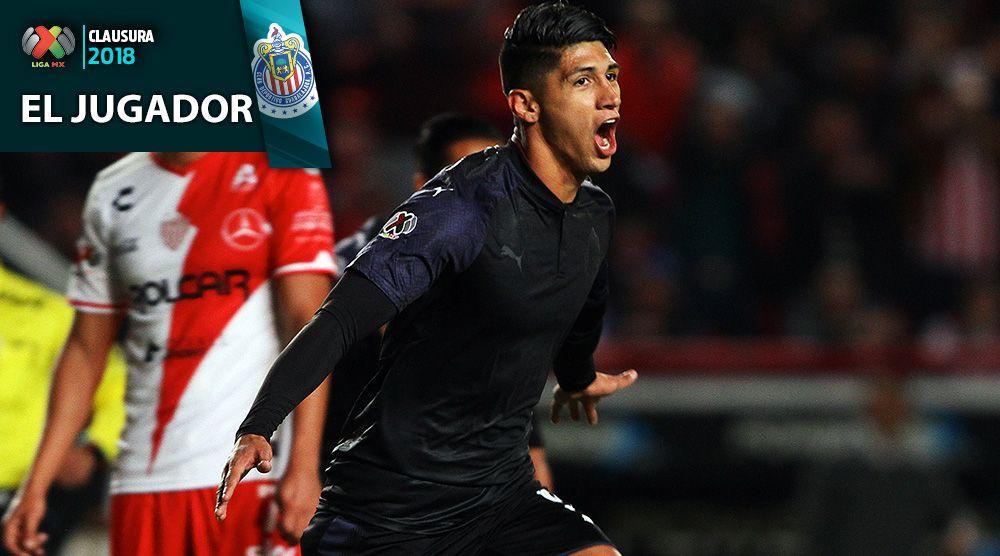 Alan Pulido festeja gol con Chivas