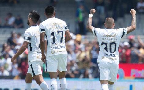 Nicolás Castillo festeja gol