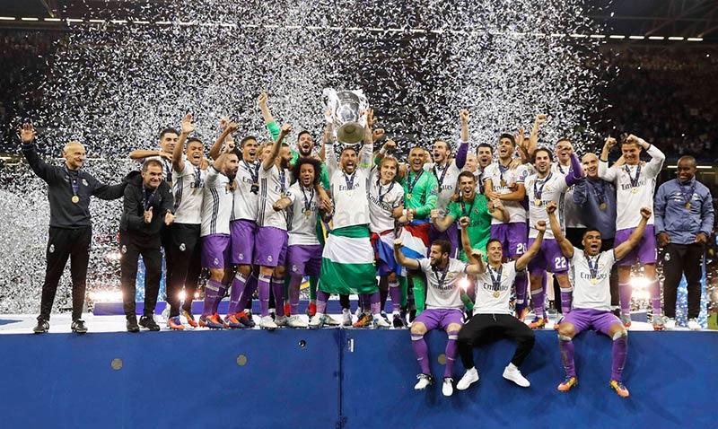 Ramos levanta el trofeo en la edición 2016-2017