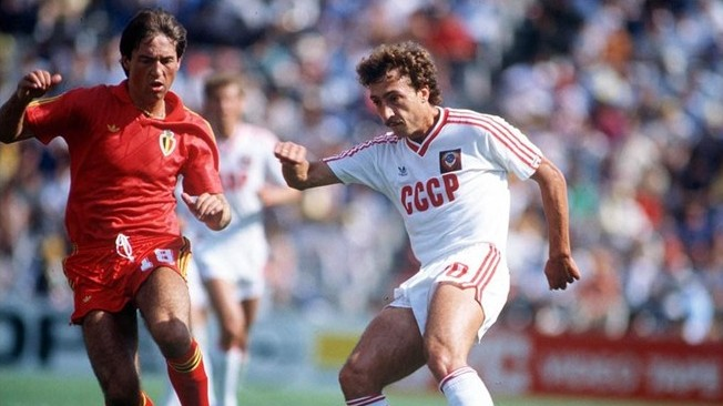 Belanov, durante el URSS vs Bélgica de México 1986