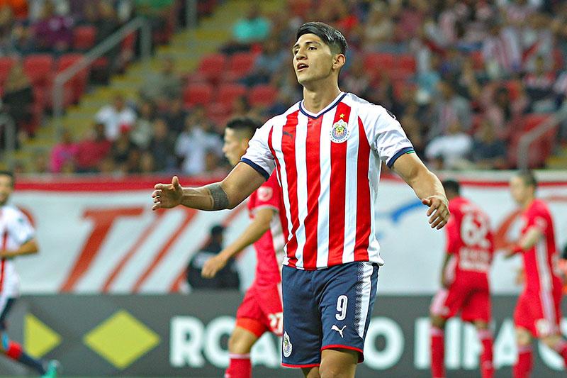 Chivas vs. Cruz Azul: Cauteruccio anotó este golazo pese a la lluvia
