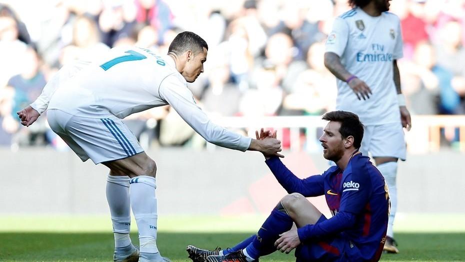 Ferdinand cuenta cómo picaban a Cristiano con Messi en el United