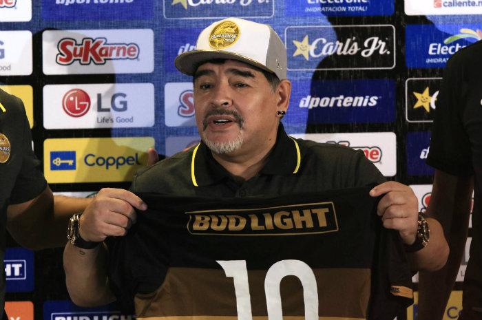 Presentaron a Maradona en Dorados de Sinaloa
