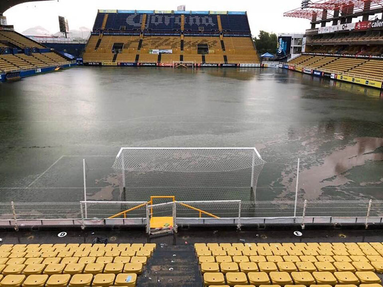 Se inunda el estadio de Dorados dirigido por Diego Armando Maradona
