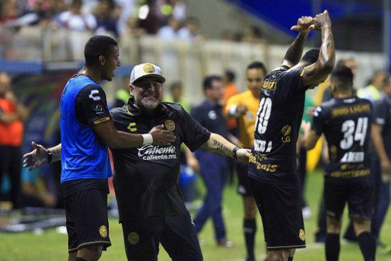 Diego Maradona se solidariza con damnificados de Sinaloa