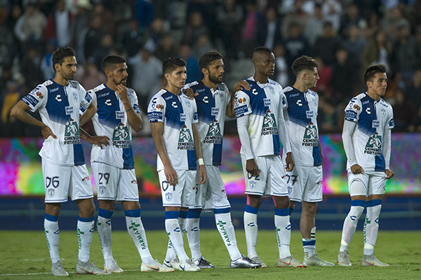 Jugadores de Pachuca, en tanda de penaltis