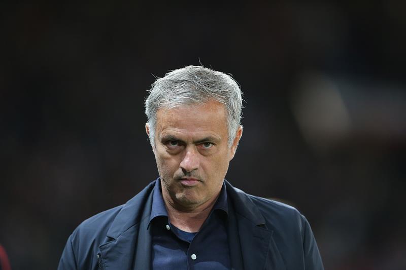 Rooney respaldó a Mourinho: