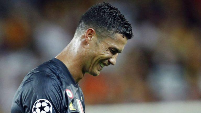 Cristiano se lamenta en partido de Juventus