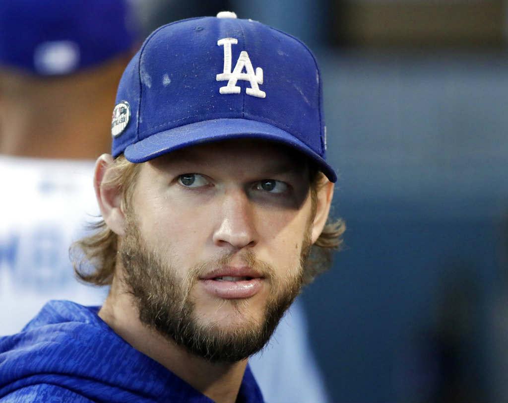 Kershaw se queda con los Dodgers