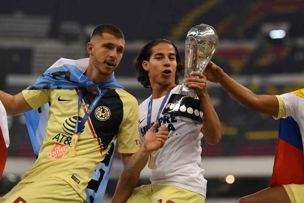 Lainez festeja el campeonato del Apertura 2018 con América