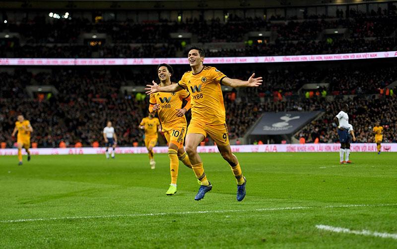 Jiménez celebra un gol ante el Tottenham en Premier League