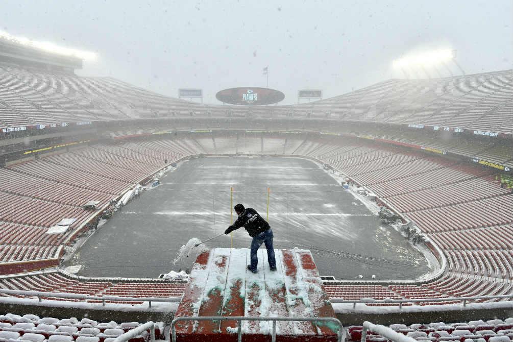 El Arrowhead Stadium cubierto de nieve