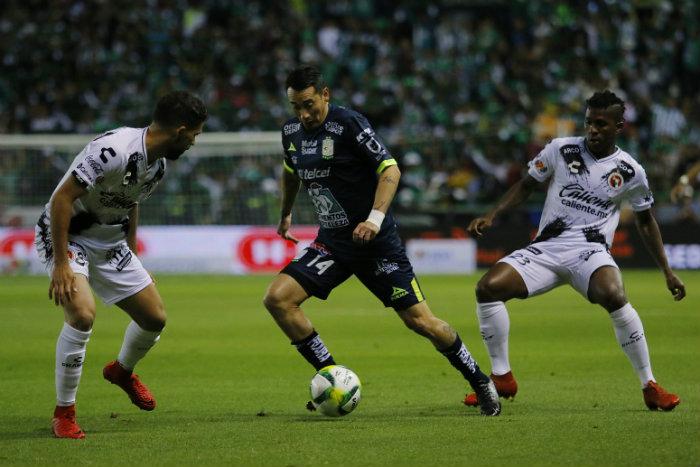 Rubens Sambueza será baja por fractura
