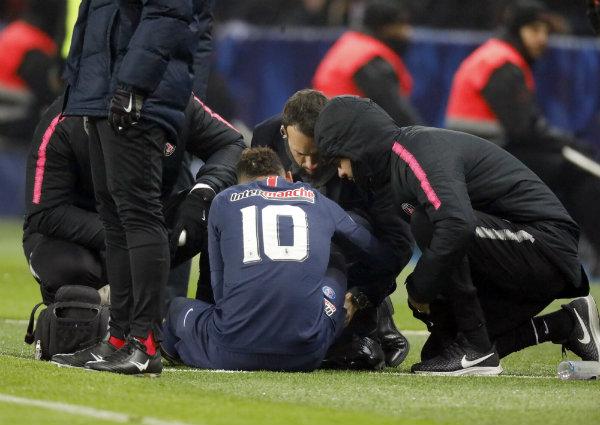 Neymar, lesionado, no jugará la ida ante el United — RMC Sports