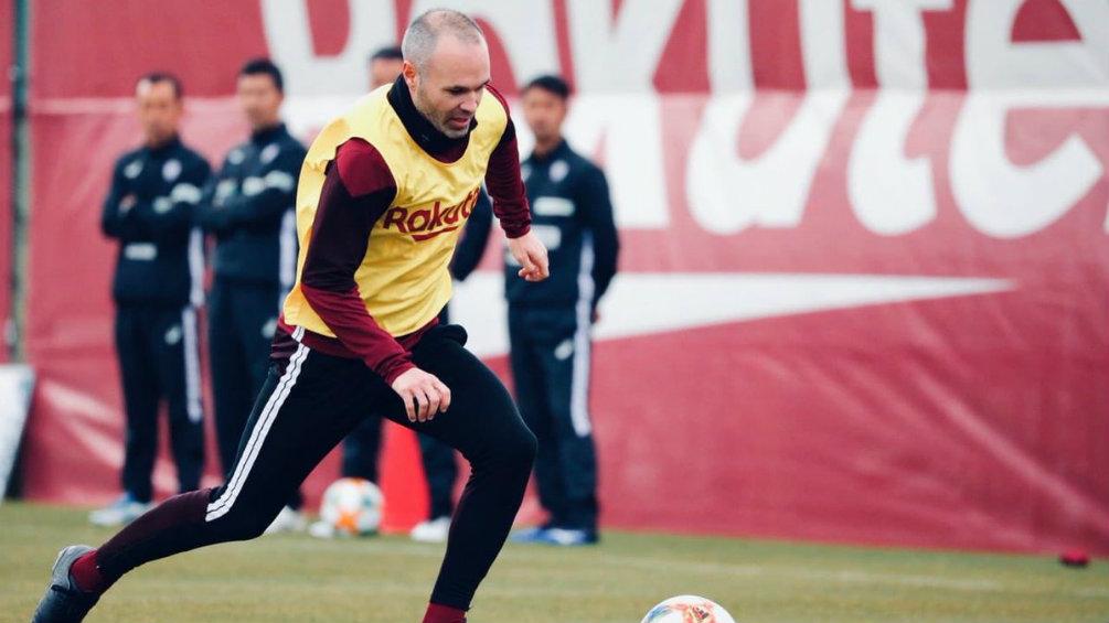 Andrés Iniesta durante un entrenamiento con el Vissel Kobe