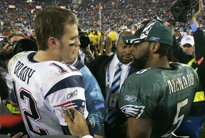 El saludo a McNabb al final del Super Bowl XXXIX