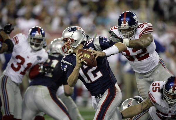 Brady, constantemente asediado por la defensa de New York